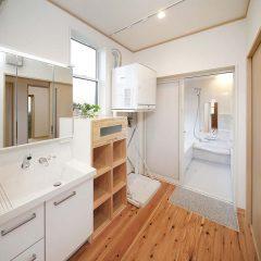 ランドリースペースと浴室